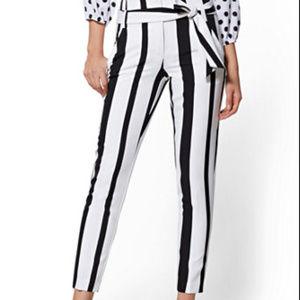 7th Avenue - Black & White Stripe Madie Pant Size: